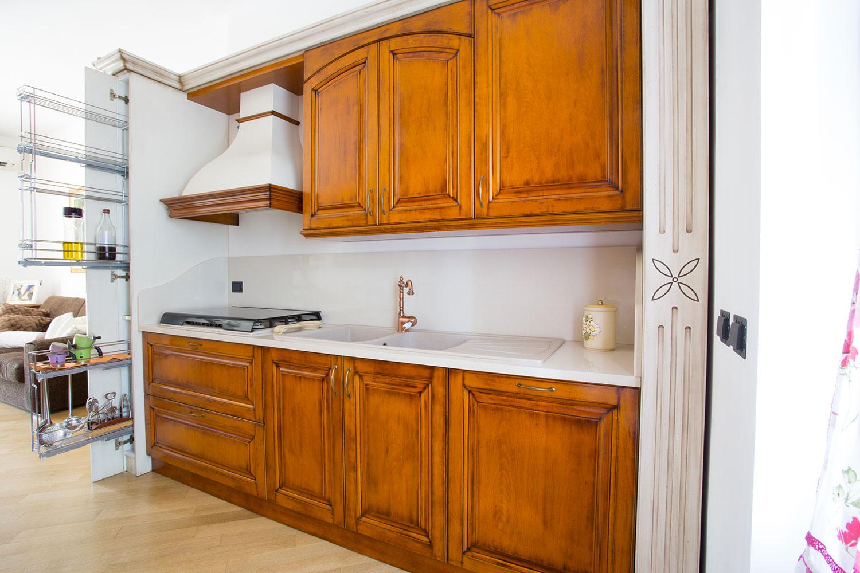 Best cucina stile classico photos home interior ideas for Emmerre arredamenti opinioni