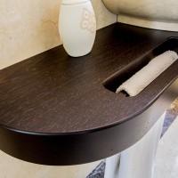 Dettaglio mensolone e porta asciugamani lavabo in Wenge