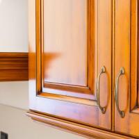 Cucina in stile classico, legno massello di faggio con maniglie in ottone anticato